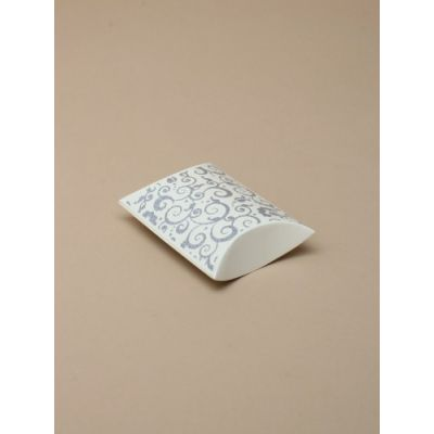 Size: 6.8x6x2.5cm Cream with silver swirl pillow pack box.