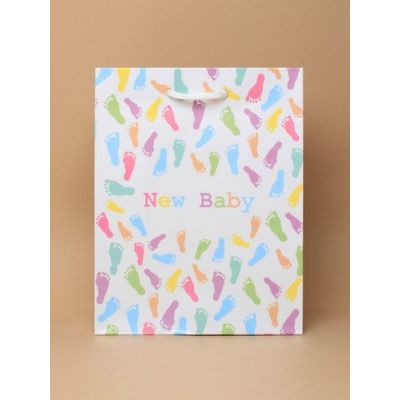 Size: 23x18x9cm Footprints 'New Baby' gift bag.