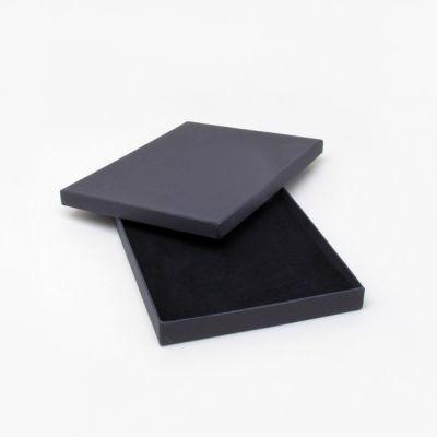 Size: 19x14x1.8cm Black gift box.