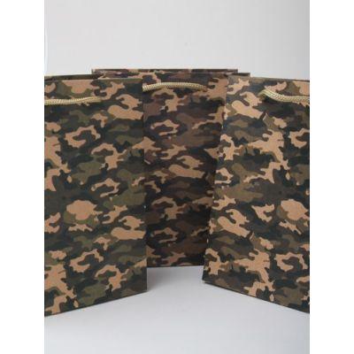 Size: 24x19x8cm camouflage print gift bag.