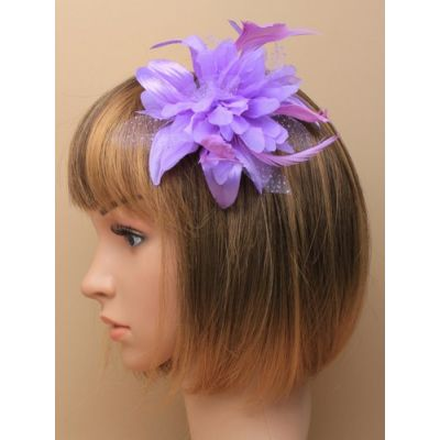 © Style Molly, Flower fascinator on a clip and brooch pin.