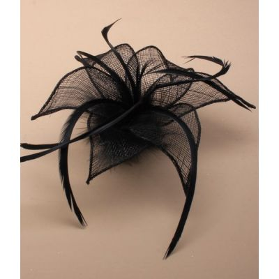© Style Flora, Fascinator on a brooch pin and clip.
