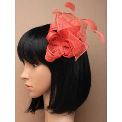 © Style Beth, Twisted sinamay fascinator on a comb.