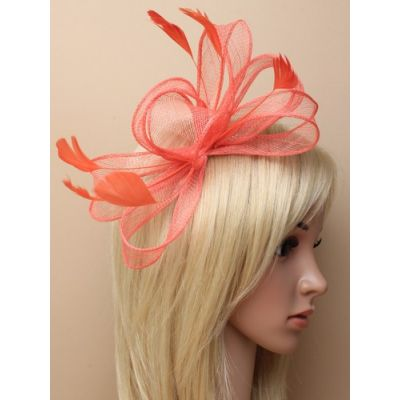 © Style Camille, looped sinamay fascinator on a comb