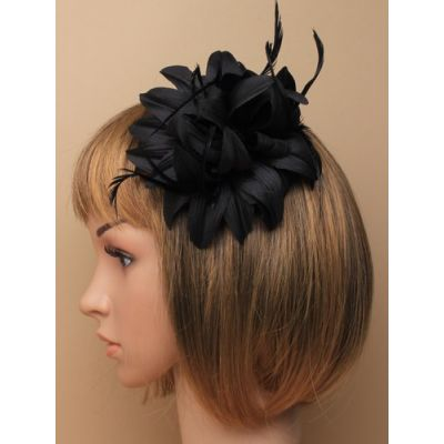 ©  Style Jasmin, flower fascinator on a clip and pin.