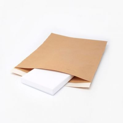 Size : 24x30cm. Brown Kraft paper envelope. Fits as Large Letter