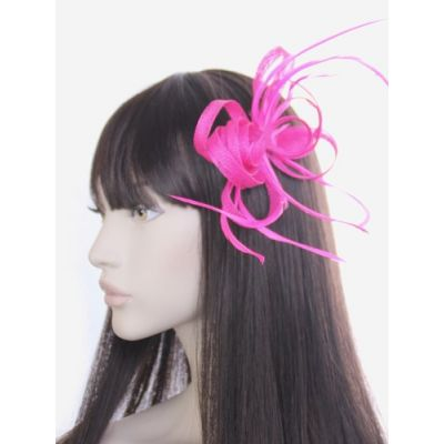 © Style Oriel, Sinamay fascinator on a clip and brooch pin.